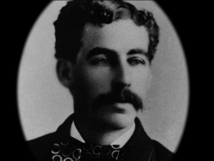 the life of h h holmes americas first serial killer Hh holmes: one of america's first recorded serial murderers delving into the background and childhood of hh holmes, we see a deeply disturbed individual, who developed into a man resembling a psychopath and a predator, showing no remorse for his victims.