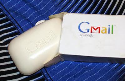 http://1.bp.blogspot.com/_7EXjdr2Pn-s/SptvO9a8wpI/AAAAAAAALB0/wE6bW-EelTg/s400/funny-gmail-soap-by-google.jpg