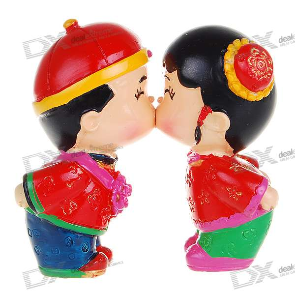 Wedding Gifts For Chinese Couples : Ada and Wen: Chinese Style Cute Kissing Couple