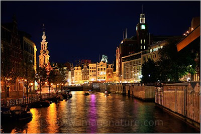 Amsterdam Singel canal at night
