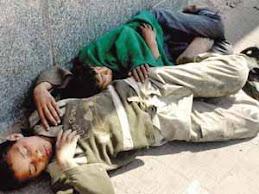 لماذا ينامون بالشوارع ؟