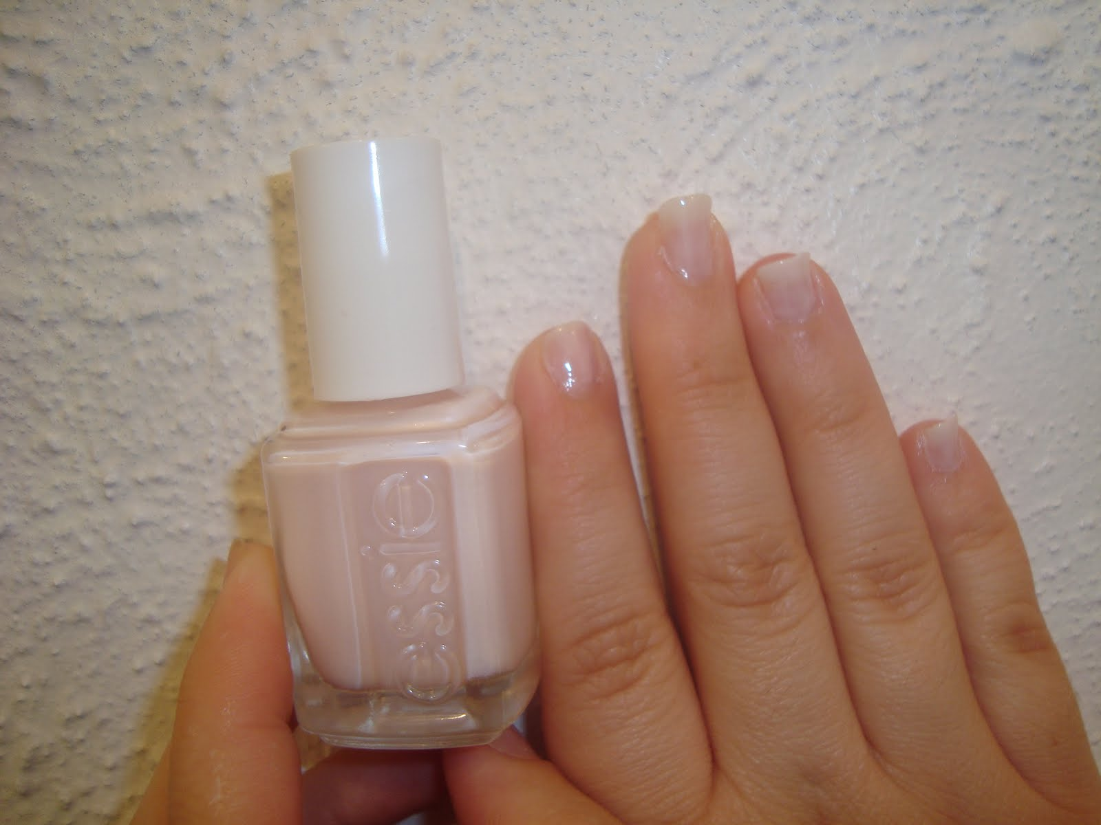 BeautySwot: essie nail polish: ballet slippers