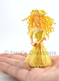 Quilled princess with book