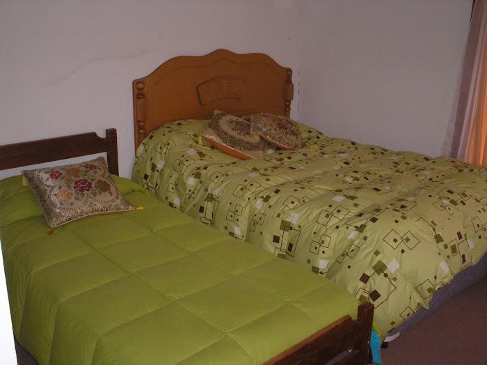 Habitaciones matrimoniales con una cama adicional
