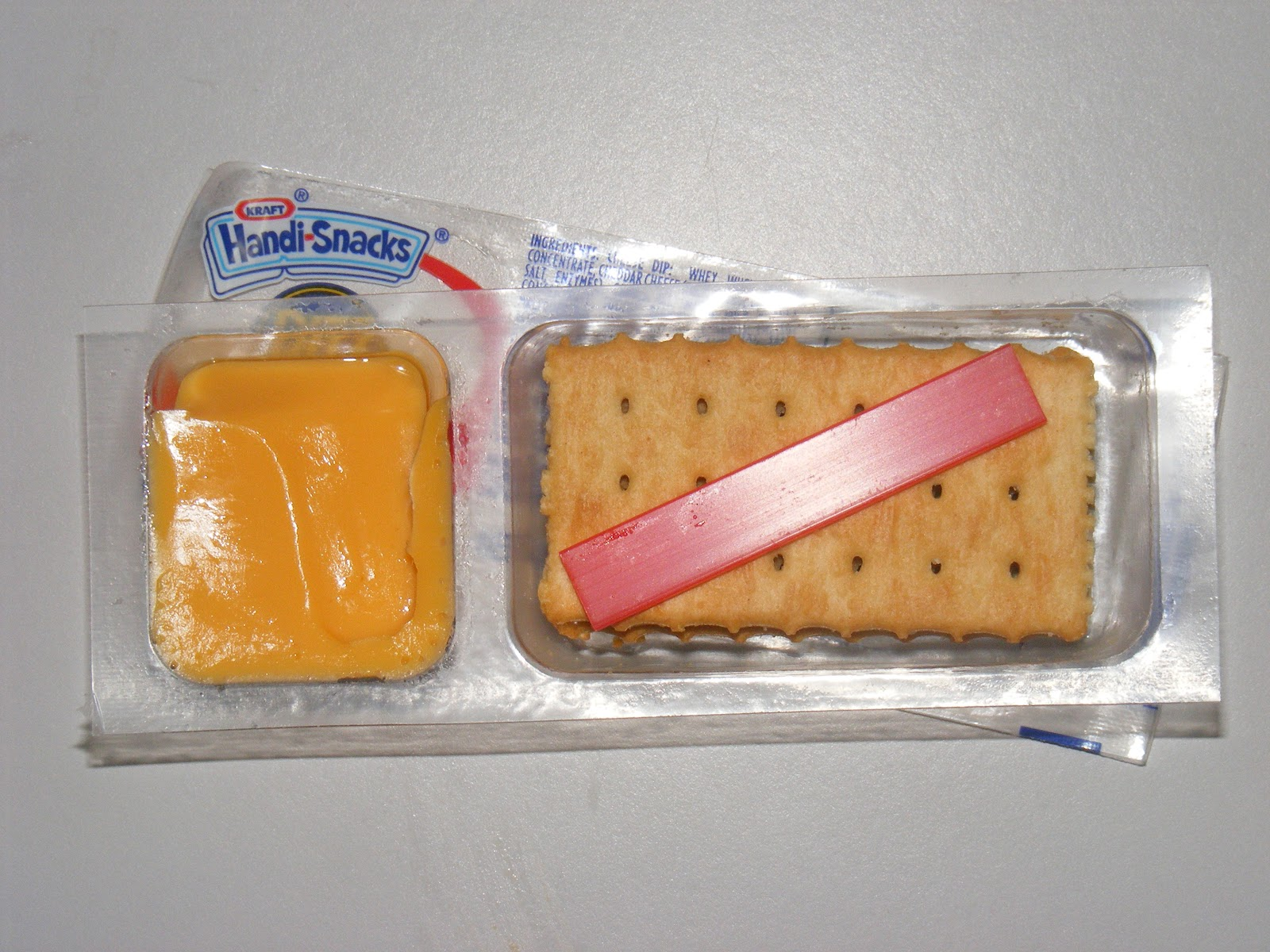 cheese and cracker snack pack