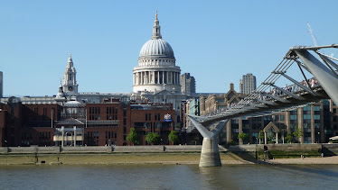 St. Paul's Cathedral, Millennium Bridge