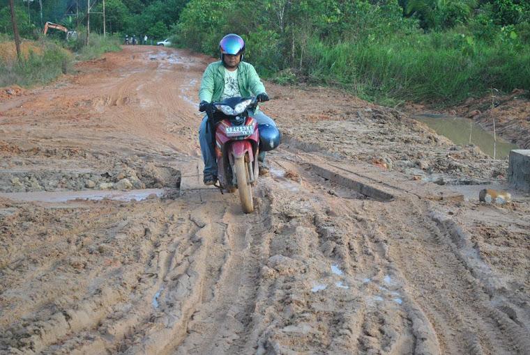 jalan provinsi di jagoi babang