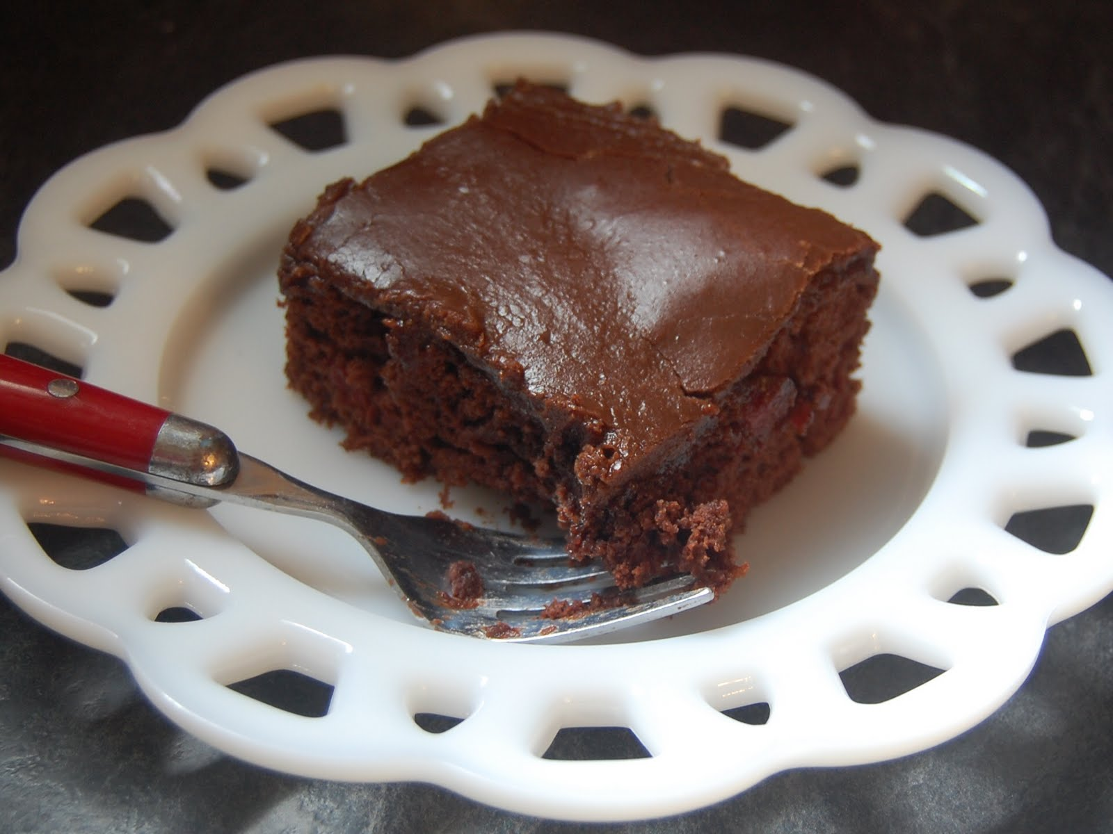 Cassie Craves: Chocolate Cherry Cake with Fudge Frosting