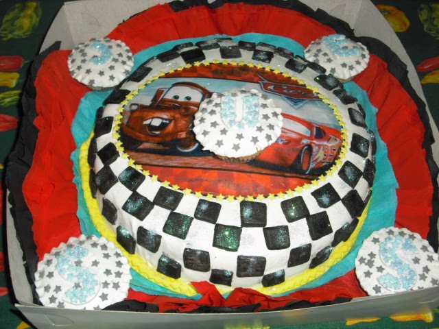 Mariel Cakes: TORTA DE CARS