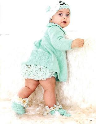 Ye�il pileli �rg� bebek elbisesi ve alt�na �rg� �ort