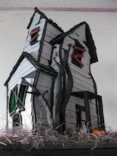 WARPED HOUSE