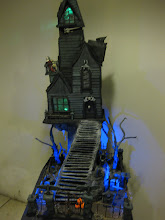 ON SALE KNOW $1000.00 PLUS $200.00 SHIPPING. THE VAMPIRE MANSION 42 INCHES TALL