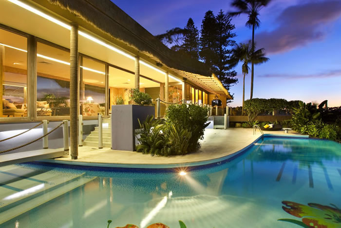 Architecture homes residential design with exotic for Hawaiian style architecture