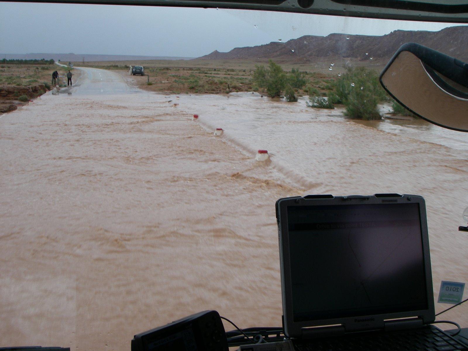 [Tuareg+Rally+2009+(915).JPG]