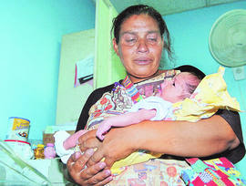 Honduras mother who abandoned daughters