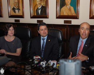 Pres of Honduran Congress, Juan Orlando Hernández and Hugo Llorens