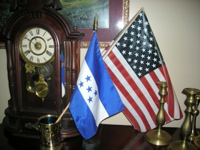 Honduran and USA flags