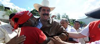 Emo hugging Zelaya, 9/21/09