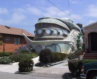 amory lovins house. Fish Shaped House