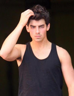 New sexy jonas brothers pictures