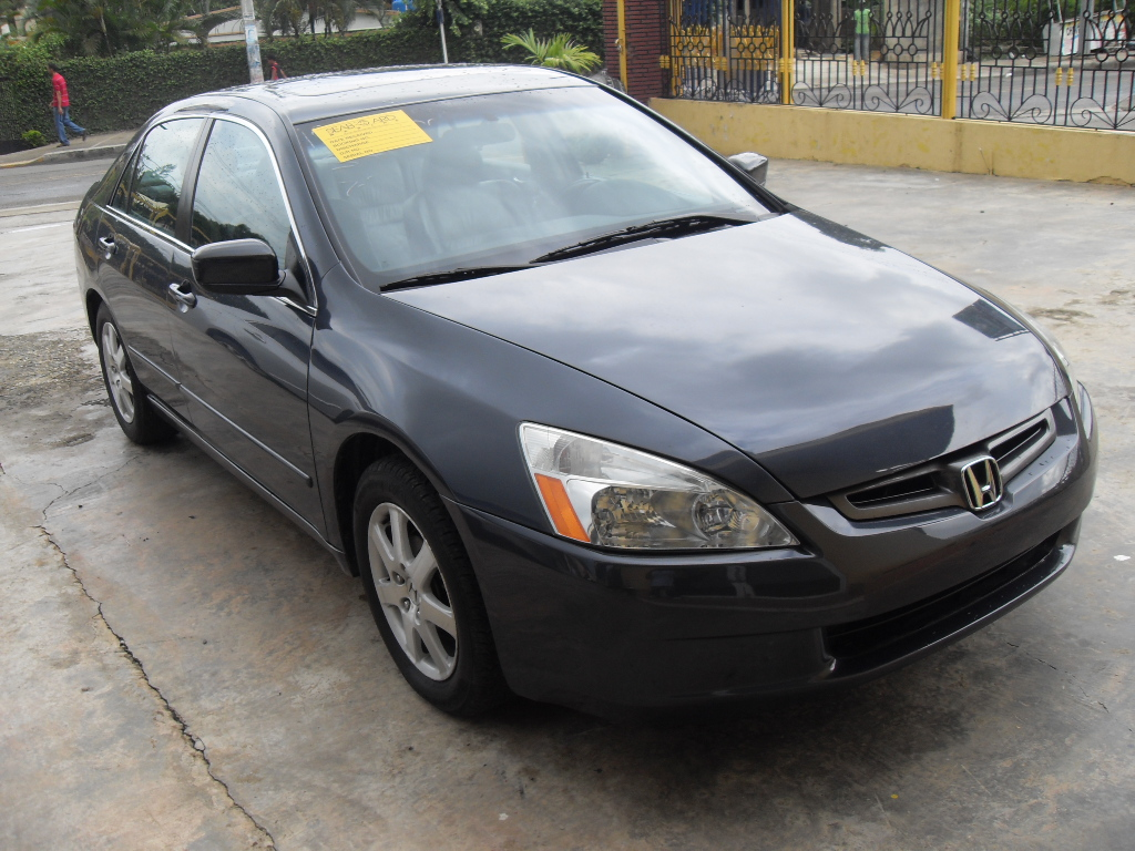 reyes auto import honda accord 2005 full precio rd 530 000. Black Bedroom Furniture Sets. Home Design Ideas