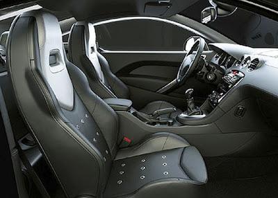 Detalhes do interior do Peugeot 308 RCZ