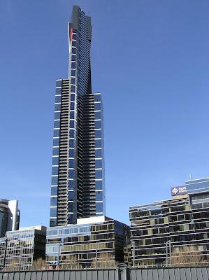 O arranha céu Eureka Tower, mais alto edifício habitacional do mundo.