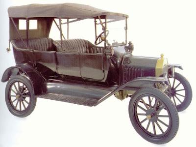 Ford T 1916 – quatro portas cabriolé.
