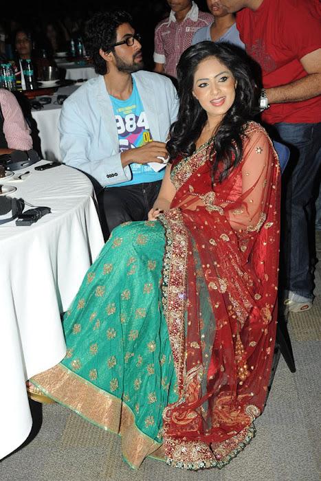 nikesha patel at scope cine awards hot images