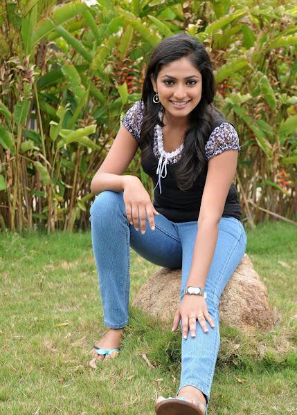 'Hari Priya' Cute Photo Shoot big boobs show