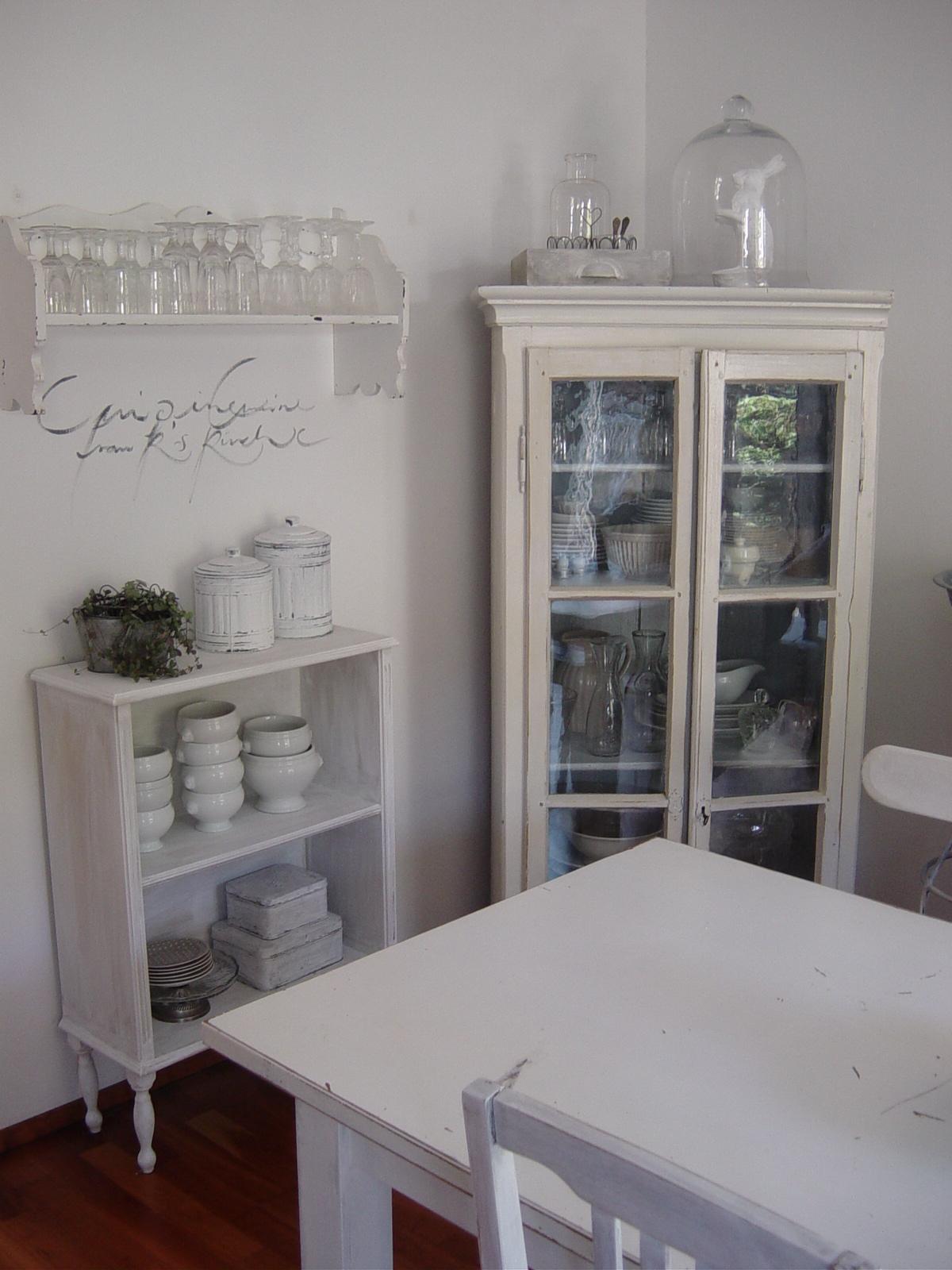 frau k shabby chic kleines s es regal. Black Bedroom Furniture Sets. Home Design Ideas