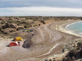 Expedicion Costa Sur Golfo San Jose. Temporada de Ballenas. Sea Kayak in Patagonia Whales Season