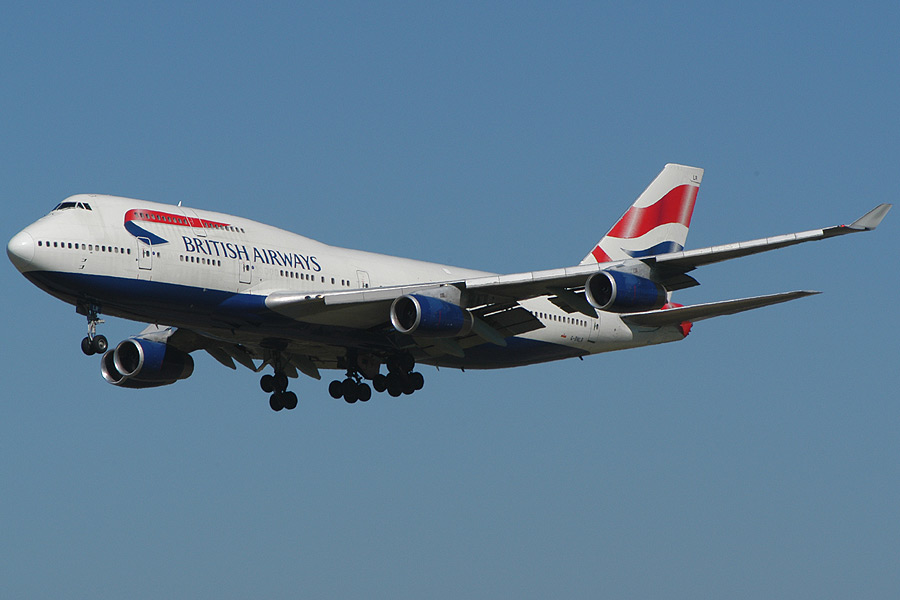 At 0900Z British Airways Flight BAW84, a Boeing 747 400 Series IFR Vancouver