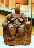 Imagem da grande Deusa Potna Thron-Mãe da Natureza.(período neolítico)