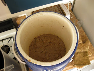 You can see all the protein goo after I finished running off the mash.