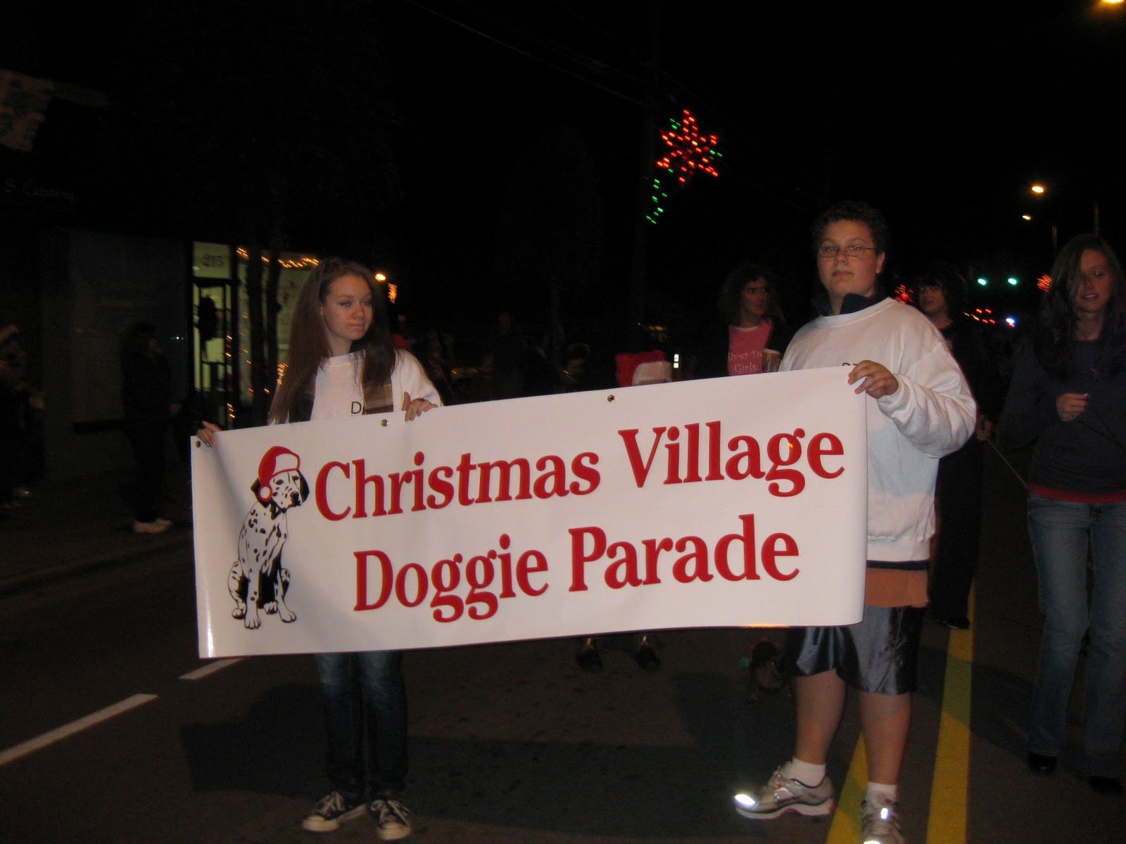 contestants in the doggie christmas costume contest parade will gather at doggie doz 113 e first street at 600 pm thursday dec 2 and then start the - Clayton Christmas Parade