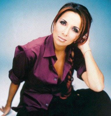 http://1.bp.blogspot.com/_7VEkUN92ueo/SaZrPHOoPTI/AAAAAAAACYA/bm4WSU6usBo/s400/Helene-Segara.jpg