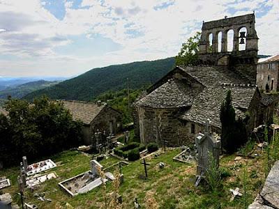 église et cimetière