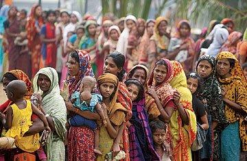 file du riz à Dacca