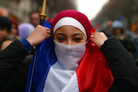hijab bleu blanc rouge