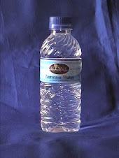 ZAMZAM WATER. 330ml. Harga Rp. 17.000;