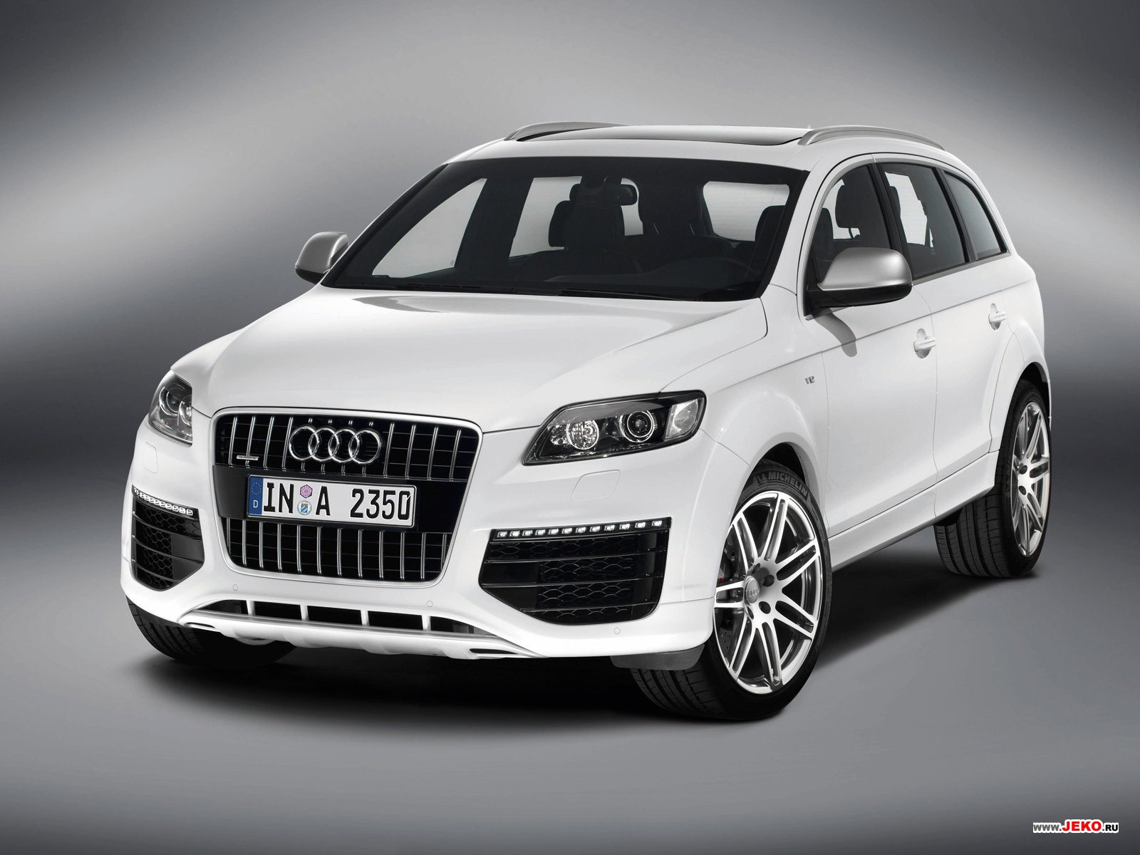 Audi Q7 Tuning Front View HD Wallpaper