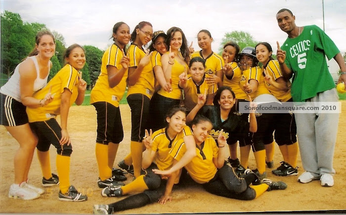 2010 Boston International High School Softball Team!