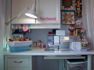 Mi sala de costura cuarto de costura - Mesa para maquina de coser ikea ...