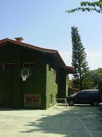 Casa com 5 suítes e quadra de esportes