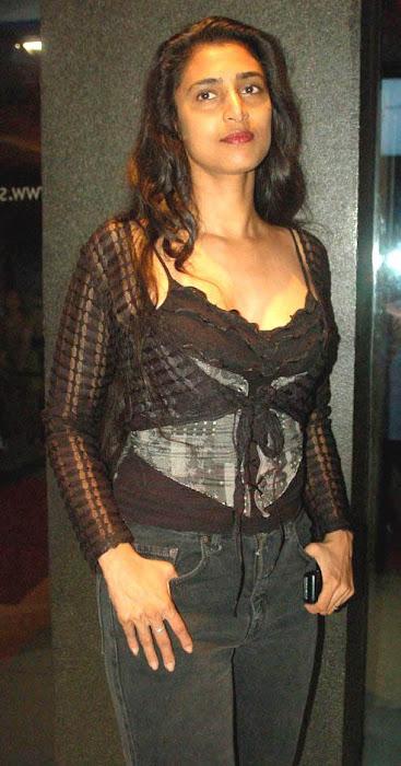 kasthuri actress pics