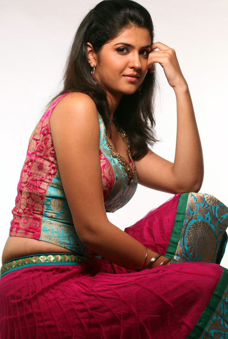 Deeksha Seth Indian bhabhi