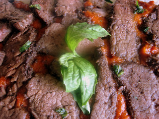 beef with spicy sun-dried tomato sauce