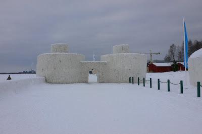 Snow castle in kemi castillo de nieve en kemi