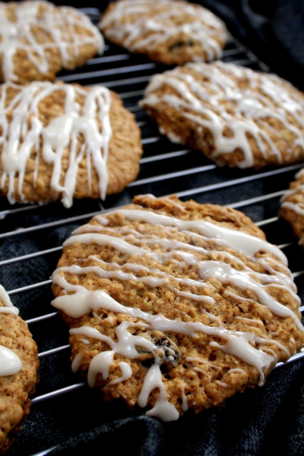 Maple oatmeal raisin cookies!